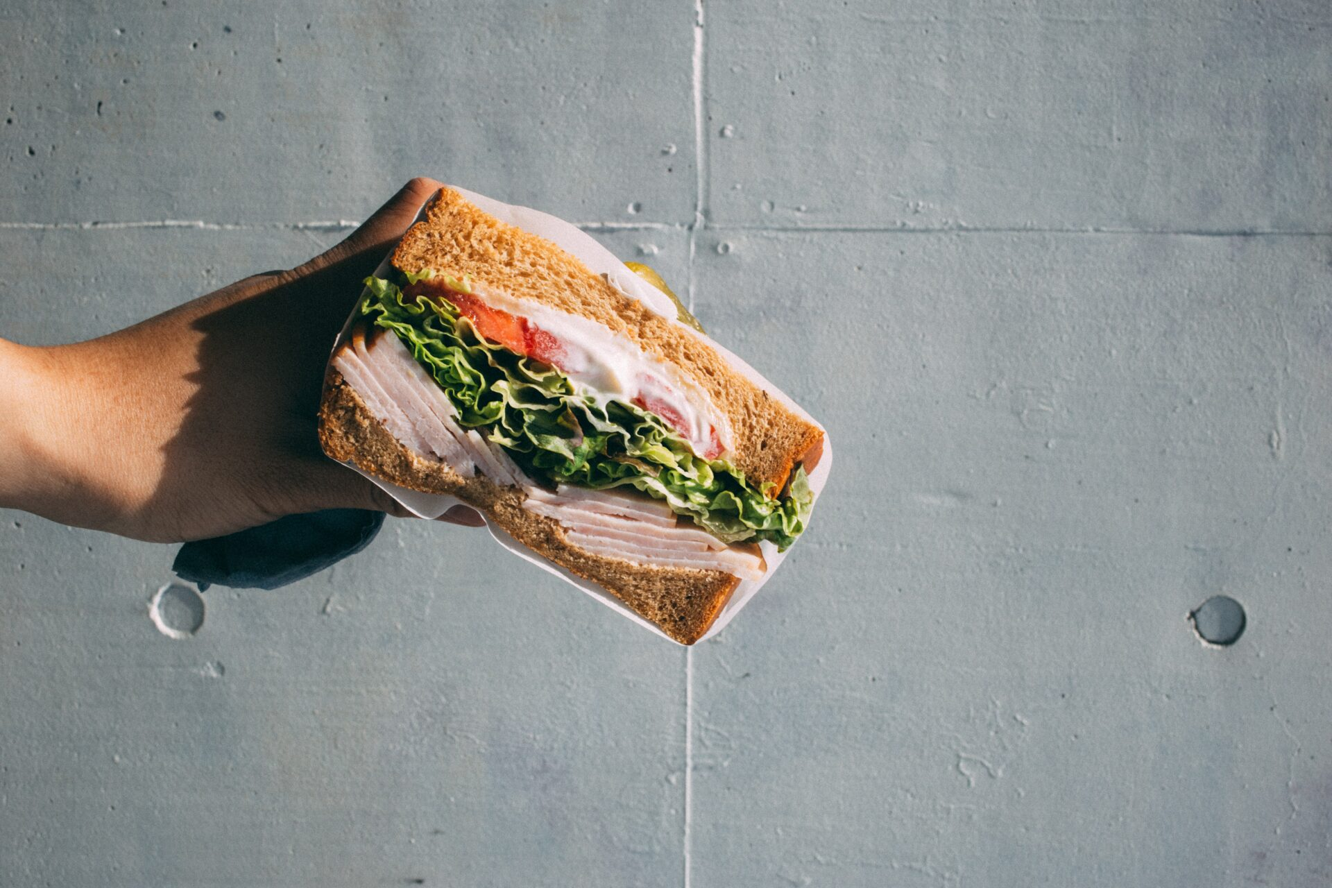 Out of the sandwich position with touchpoint management